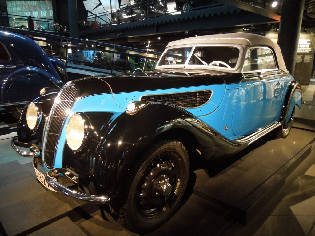 BMW 327/328 1938 года