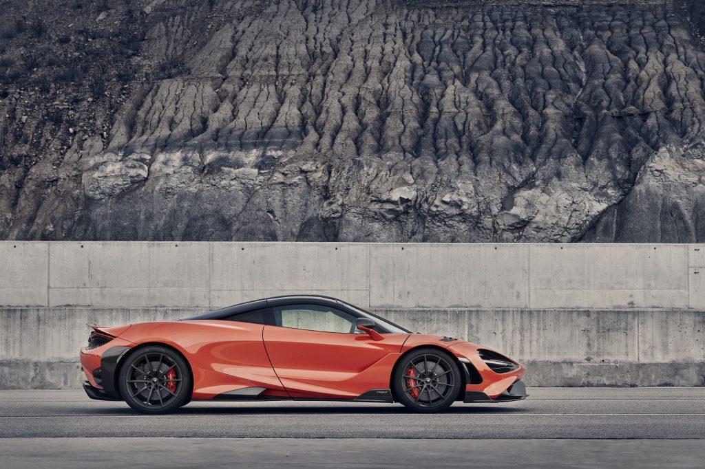McLaren 765 LT 2020, вид сбоку