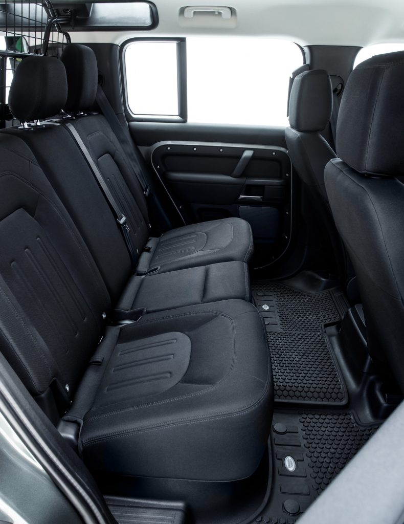 Новый Land Rover Defender, задние сиденья