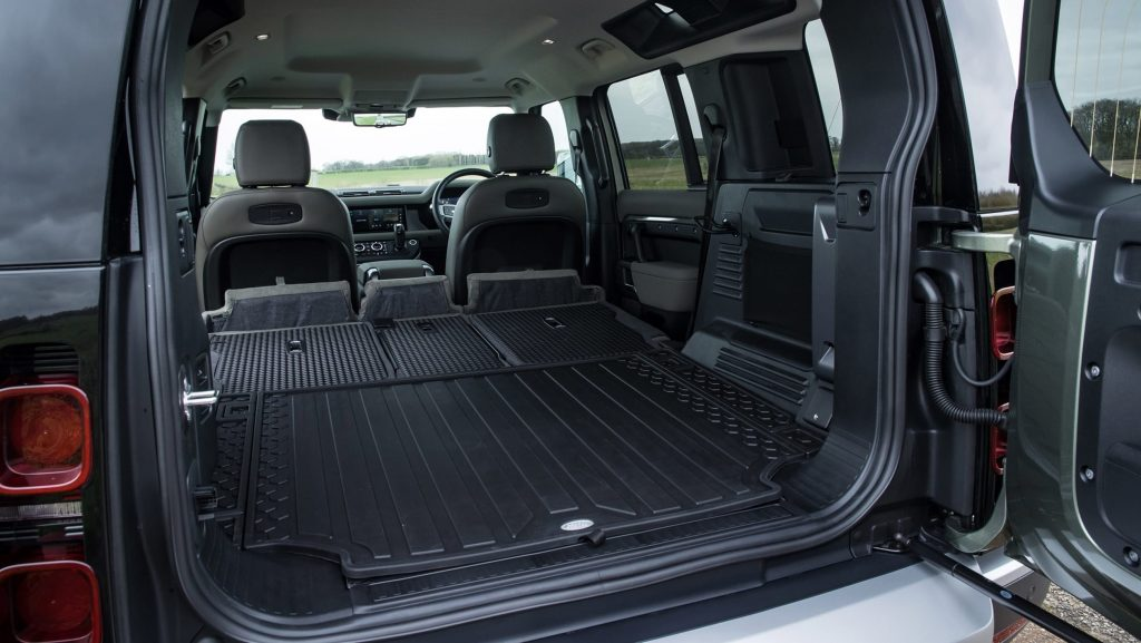 Land Rover Defender 2020, багажник