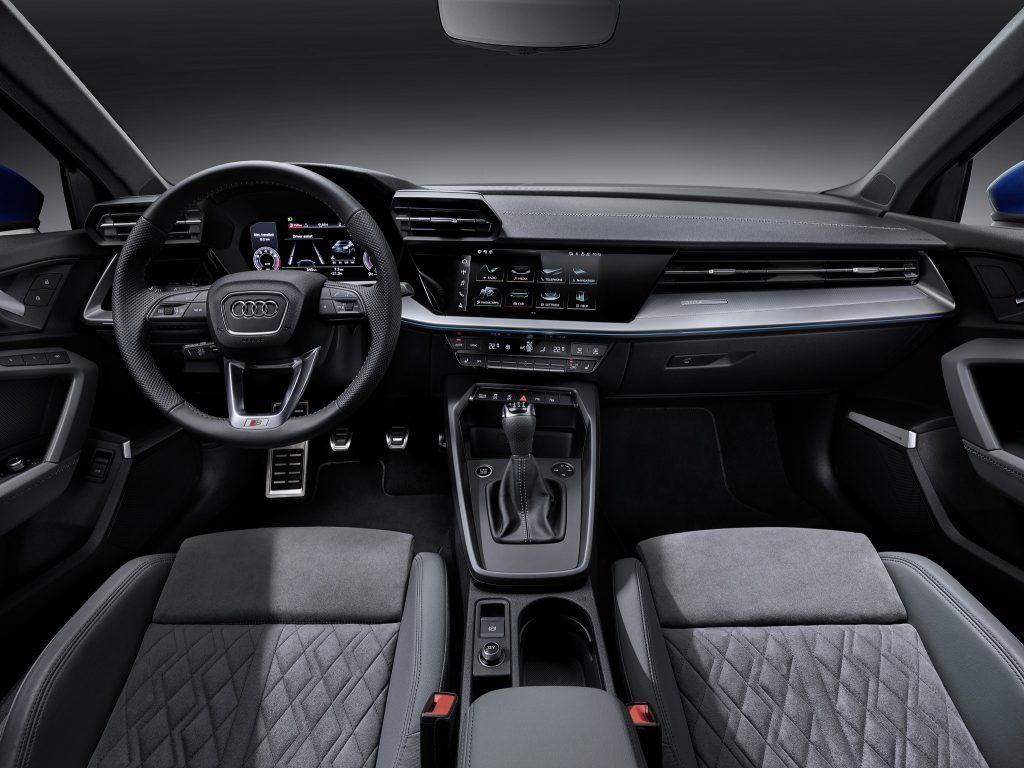 Новый Audi A3, передняя панель
