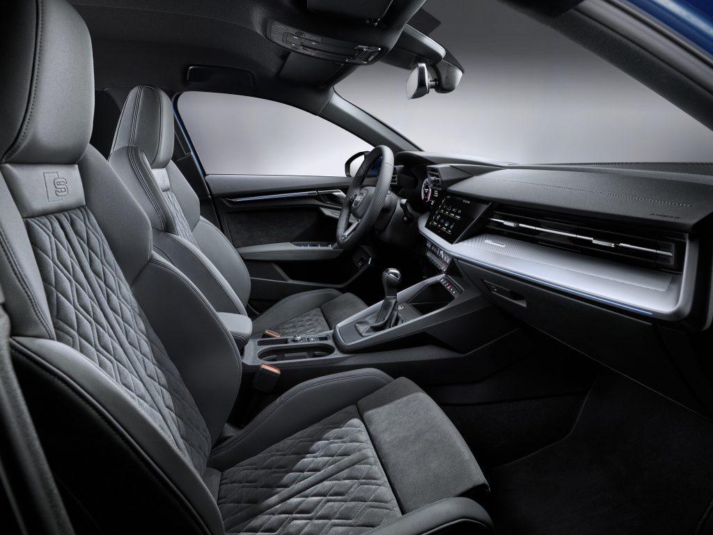 Audi A3, передние сиденья