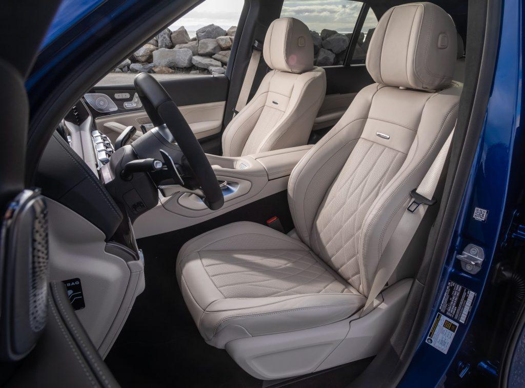 Mercedes-AMG GLE63, передние сиденья