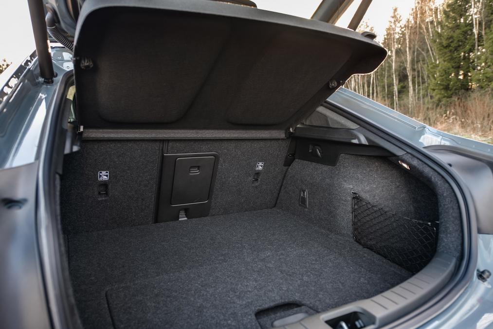 Polestar 2 2020, багажник
