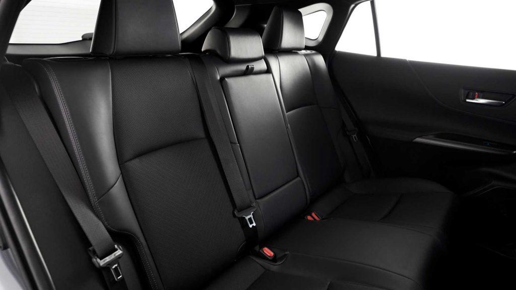 Toyota Venza 2020, задние сиденья