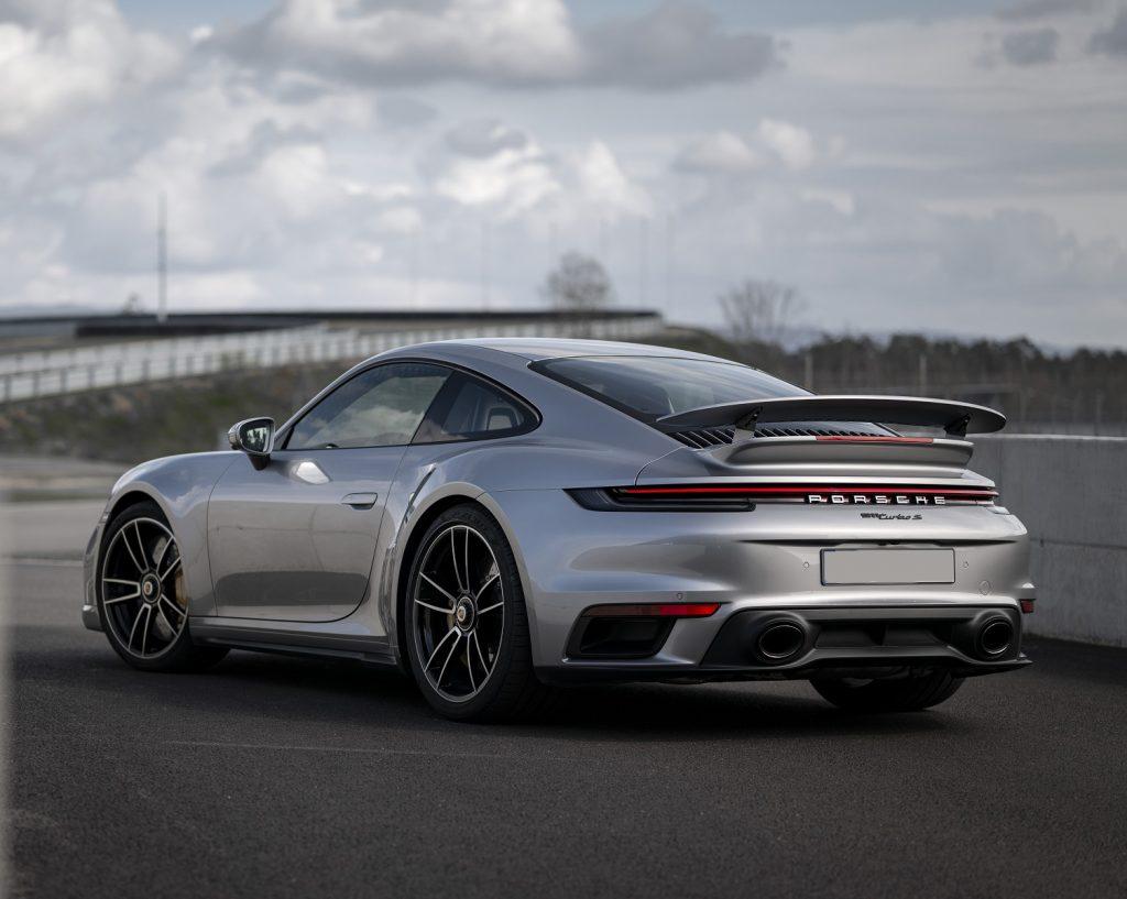 Porsche 911 Turbo S, вид на заднюю диагональ