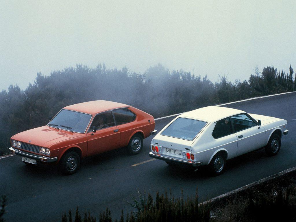 SEAT 128 1976 года