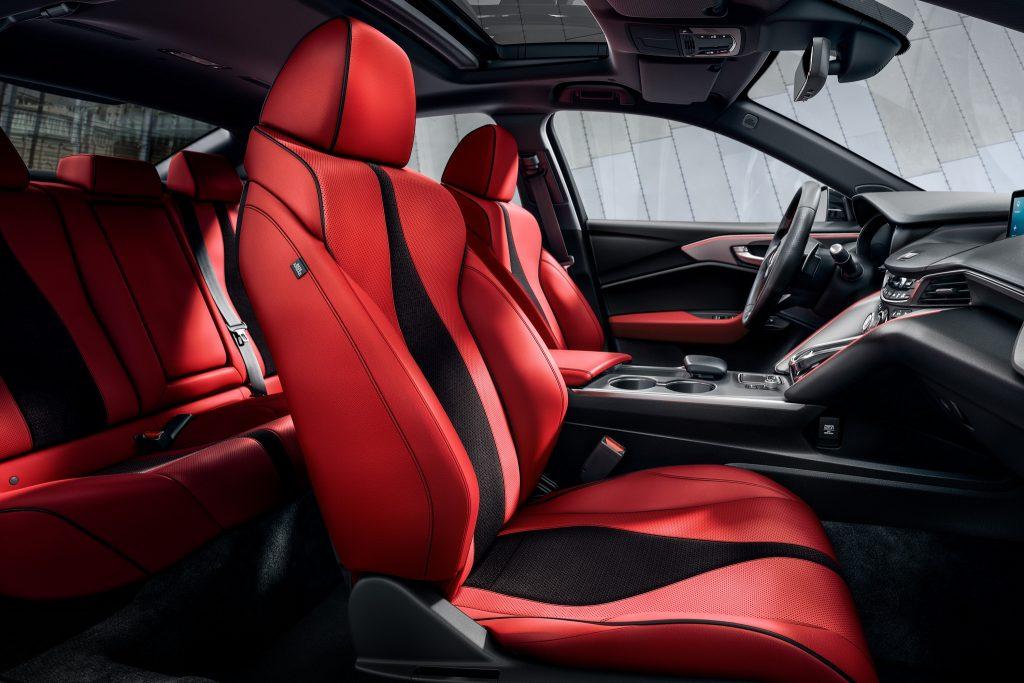 Acura TLX, передние сиденья