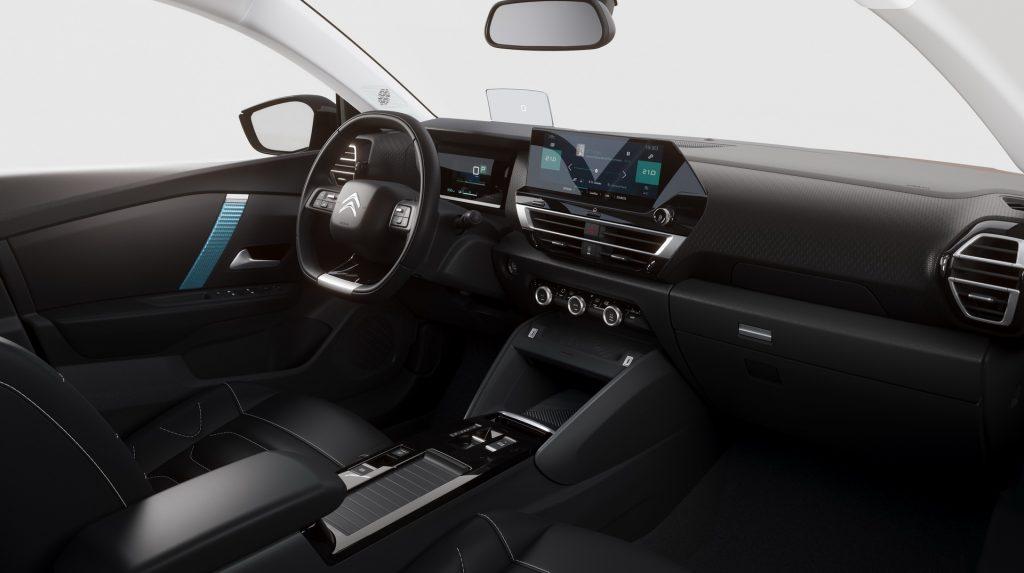 Citroen C4 2020, передняя панель