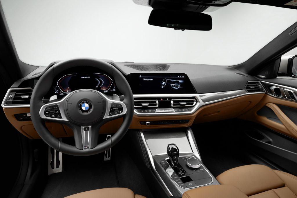 Новый BMW 4 Series, передняя панель