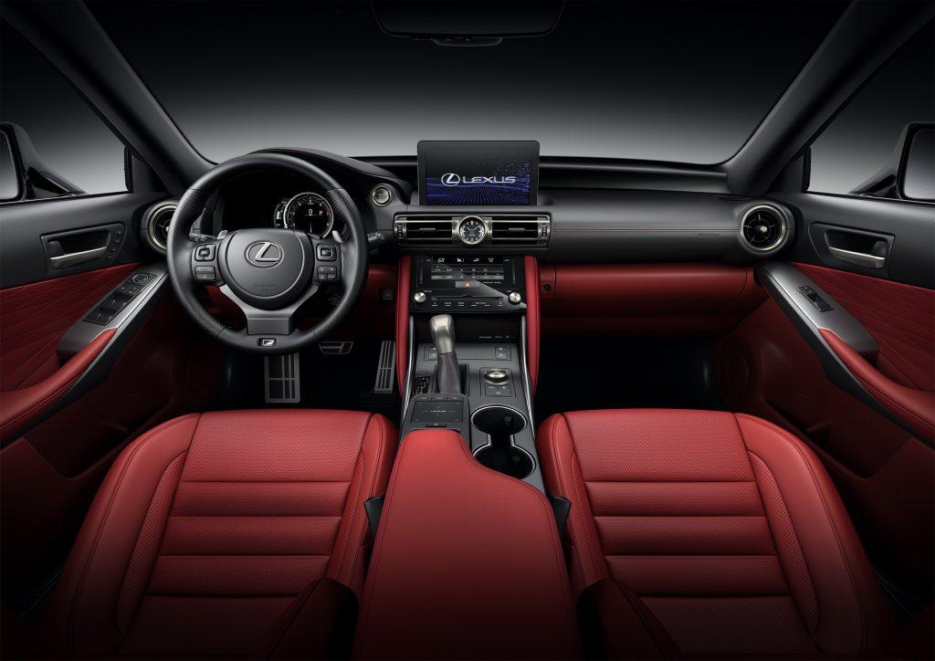 Lexus IS (4)