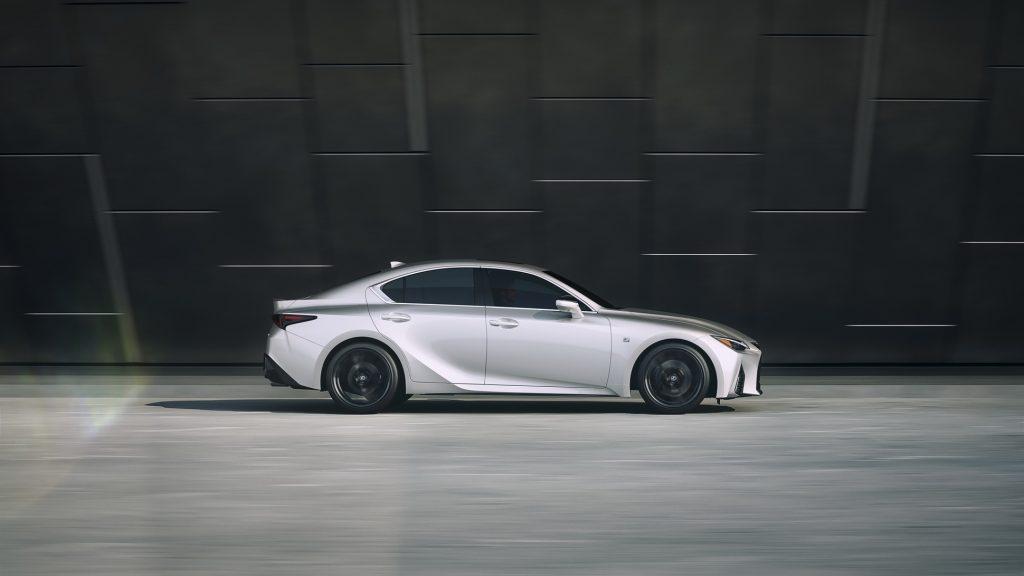 Lexus IS (6)