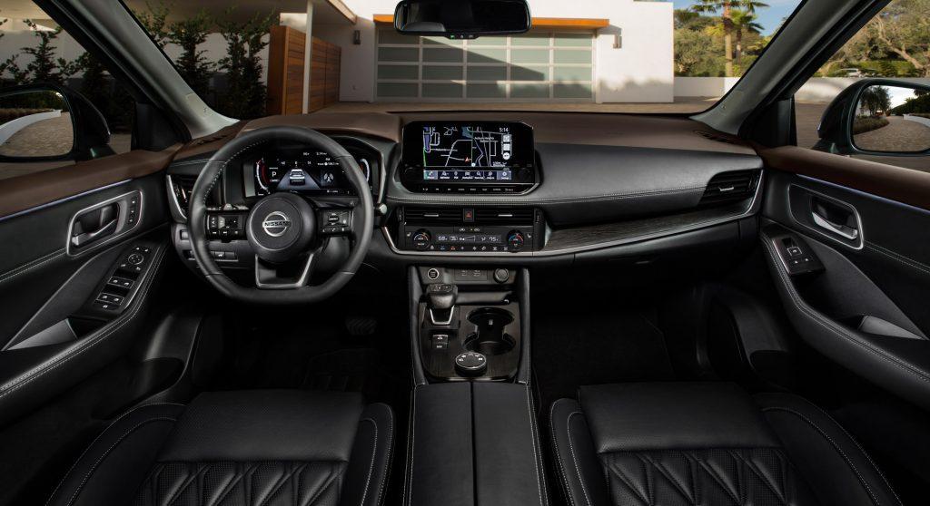 Новый Nissan X-Trail, передняя панель