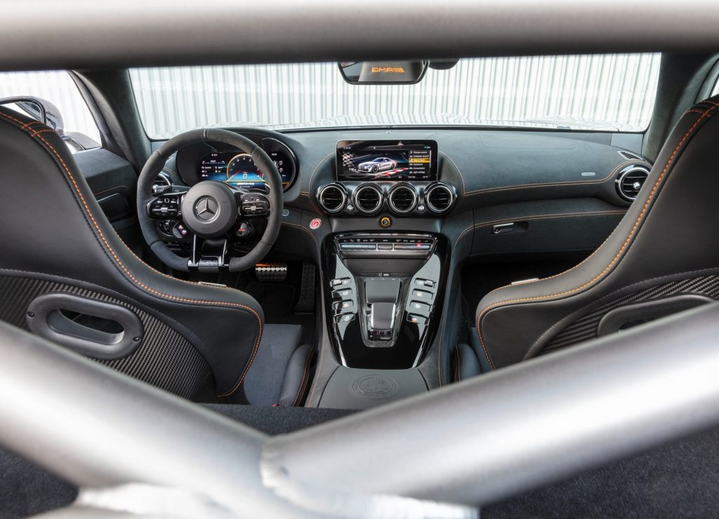 Mercedes-AMG GT R Black Series, передняя панель
