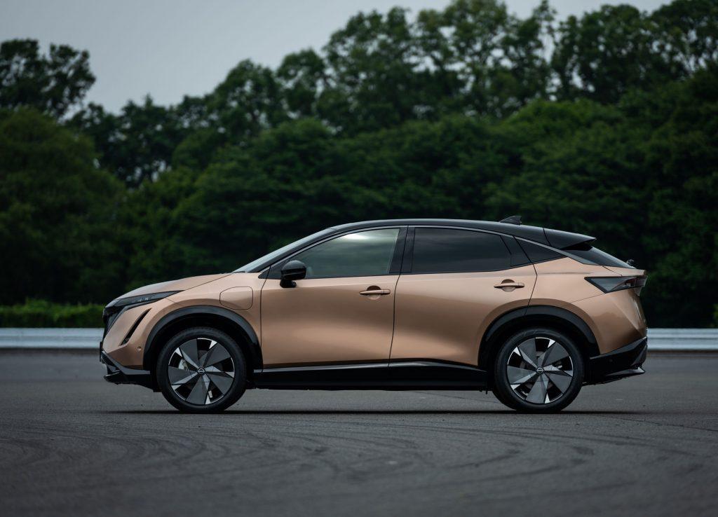 Nissan Ariya 2020, вид сбоку