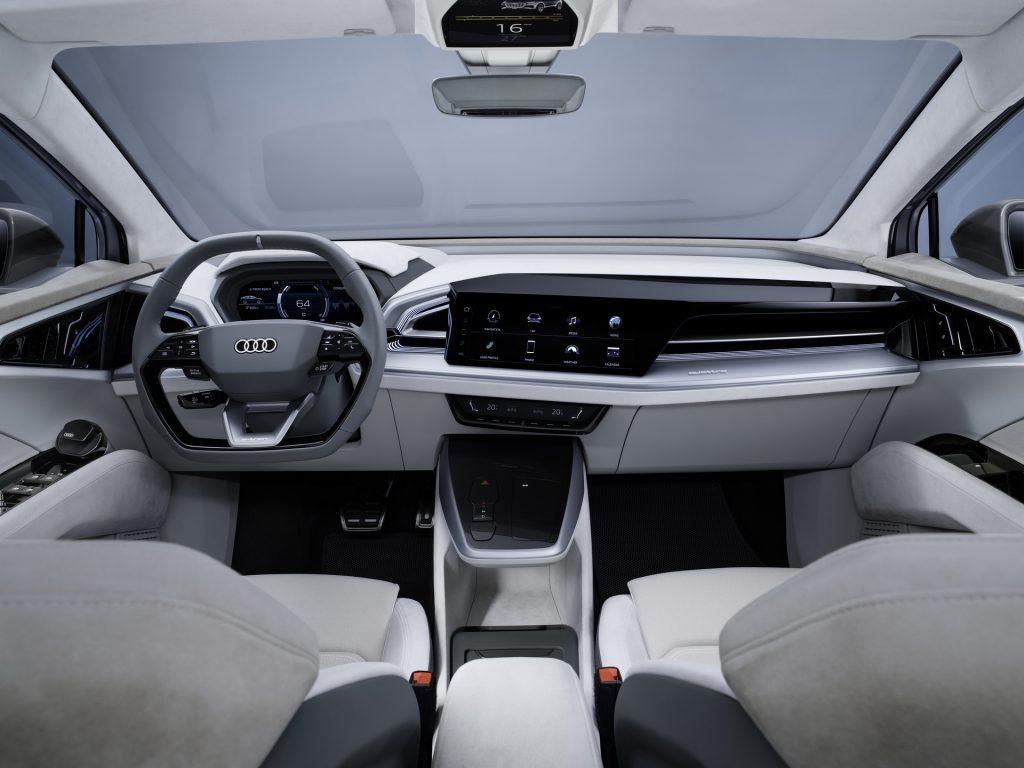 Audi Q4 Sportback e-tron, передняя панель