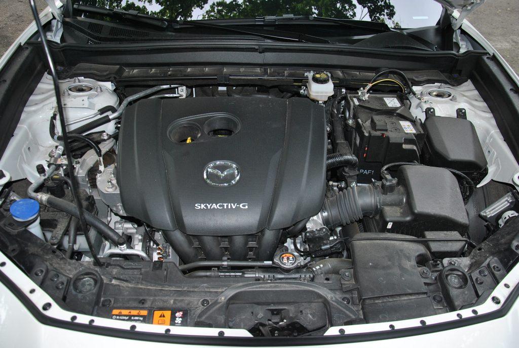 Mazda CX-30 2020, двигатель