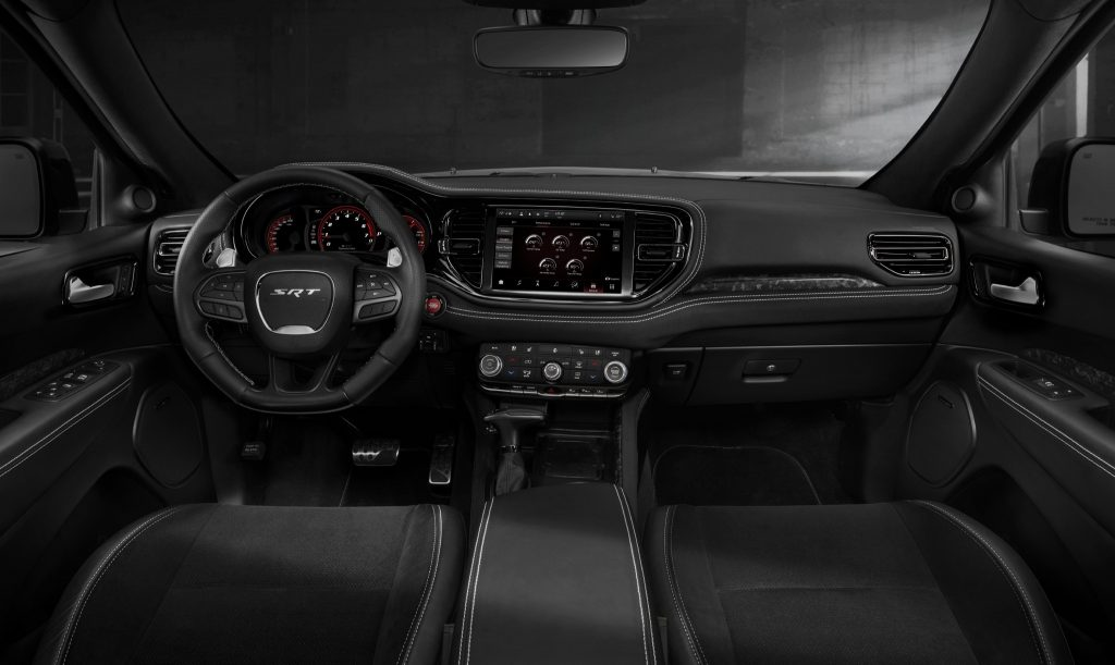 Новый Dodge Durango SRT Hellcat, передняя панель