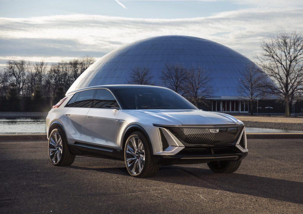 Cadillac Lyriq 2020, вид спереди