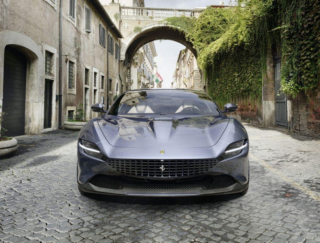 Ferrari Roma 2020, вид спереди