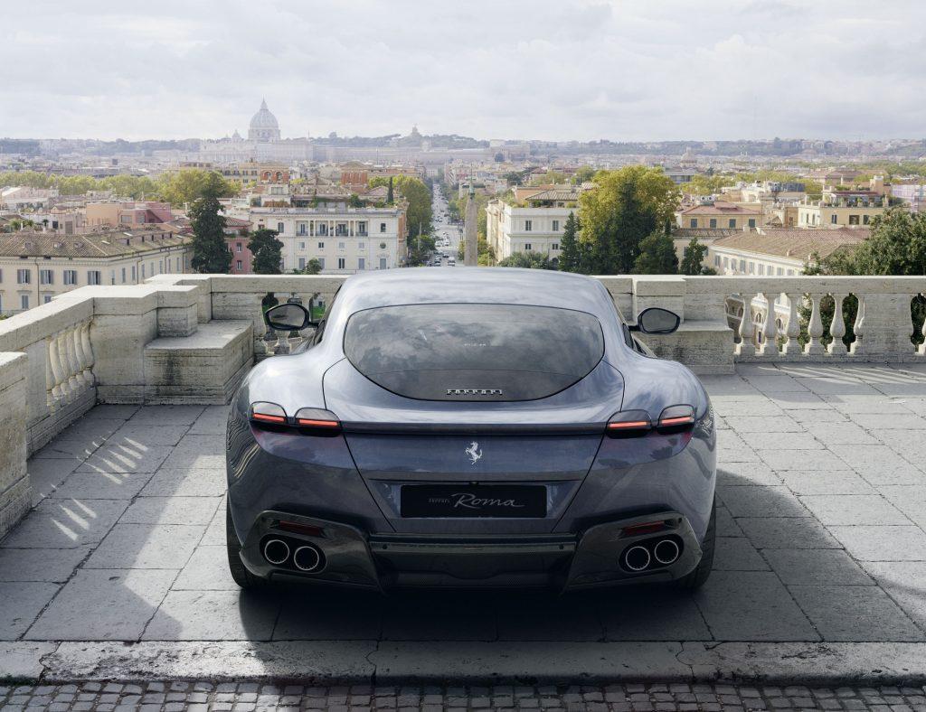 Ferrari Roma 2020, вид сзади