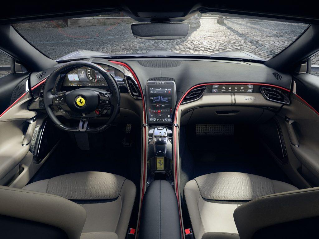 Ferrari Roma 2020, передняя панель