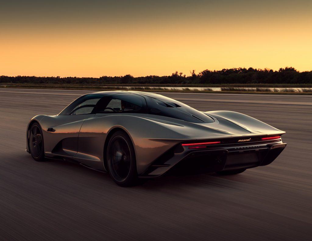 McLaren Speedtail, вид на заднюю диагональ