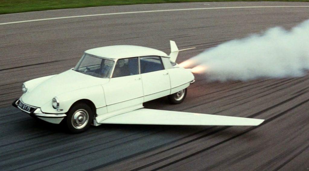 Citroen DS Фантомаса превращался в самолет