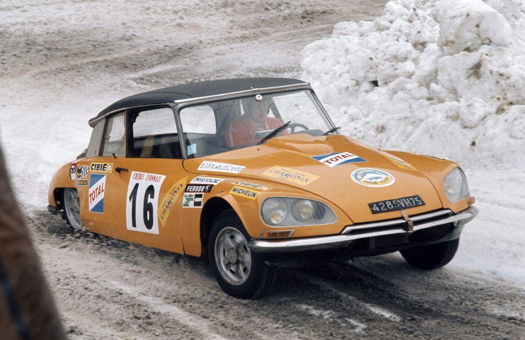 Citroen DS дважды выигрывал ралли Монте-Карло