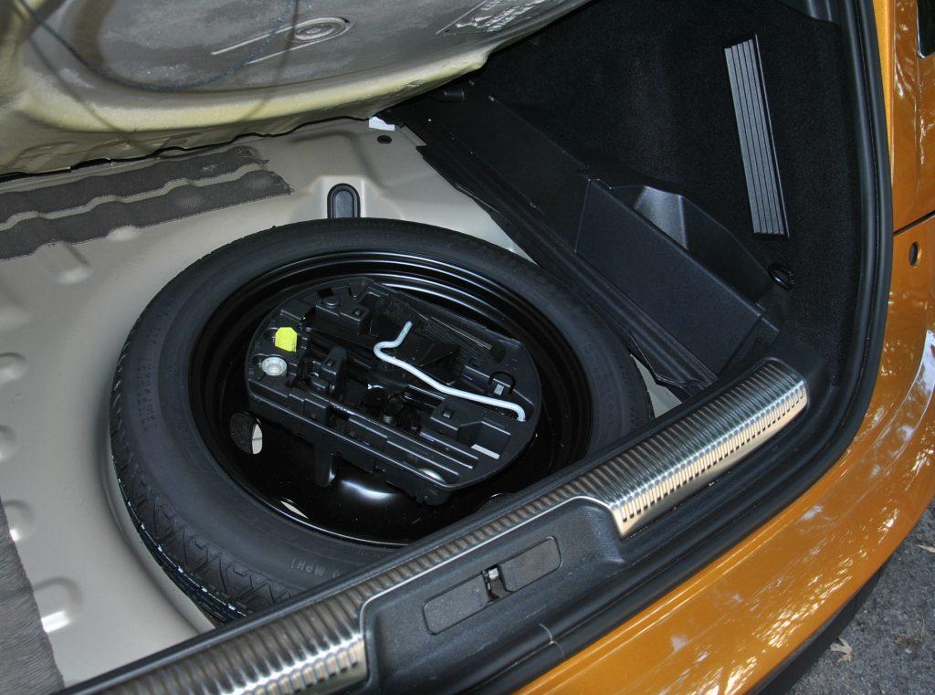 DS7 Crossback, запасное колесо