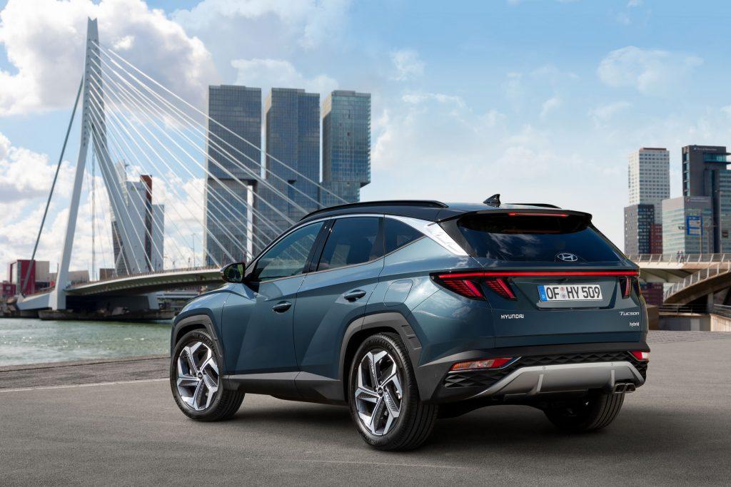 Hyundai Tucson, вид на заднюю диагональ