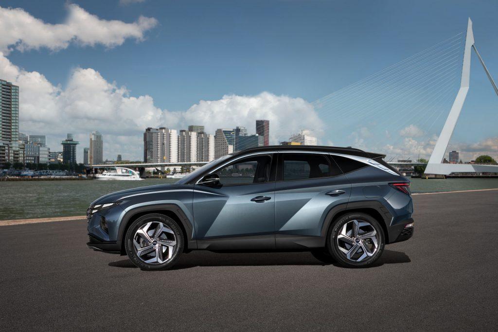 Новый Hyundai Tucson, вид сбоку