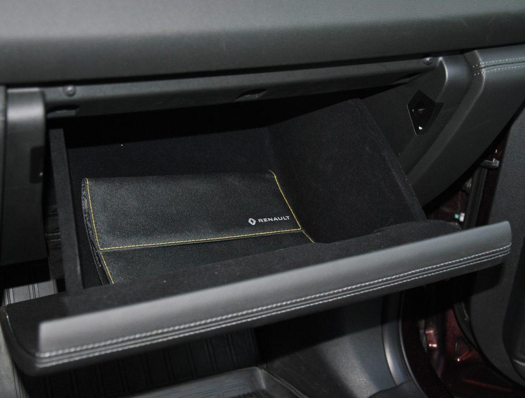 Renault Koleos, перчаточный ящик