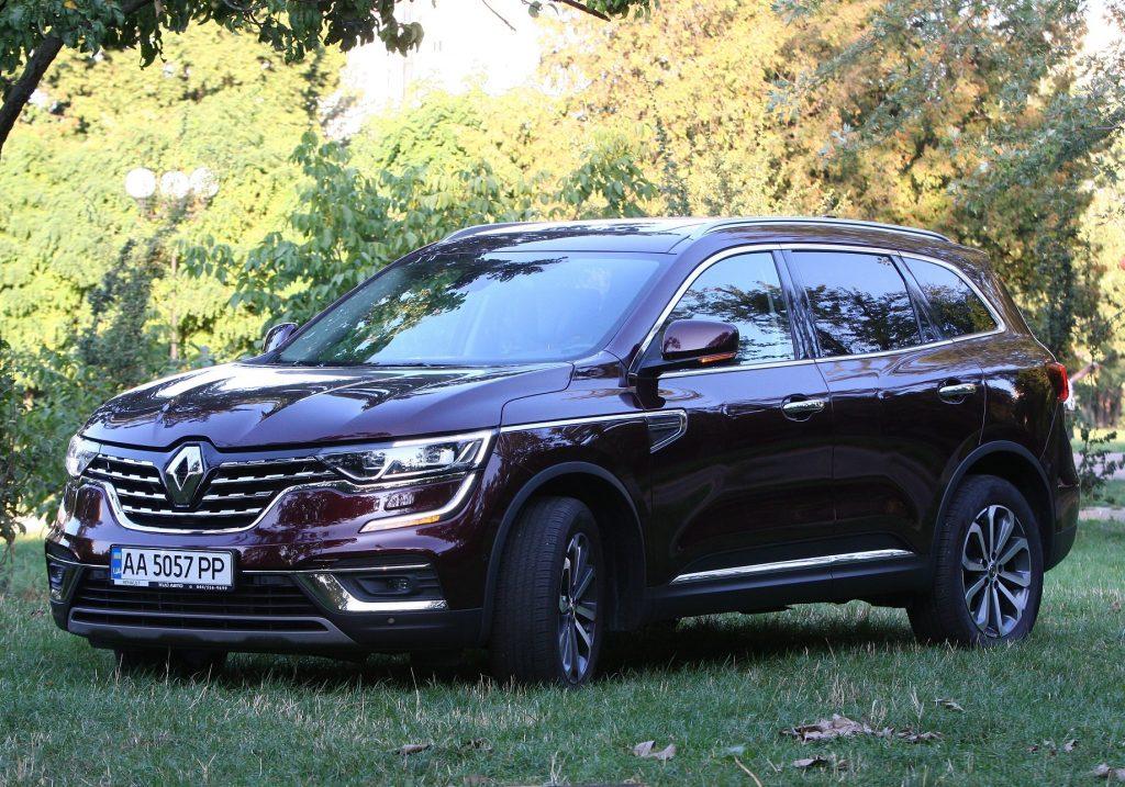 Renault Koleos, вид на переднюю диагональ