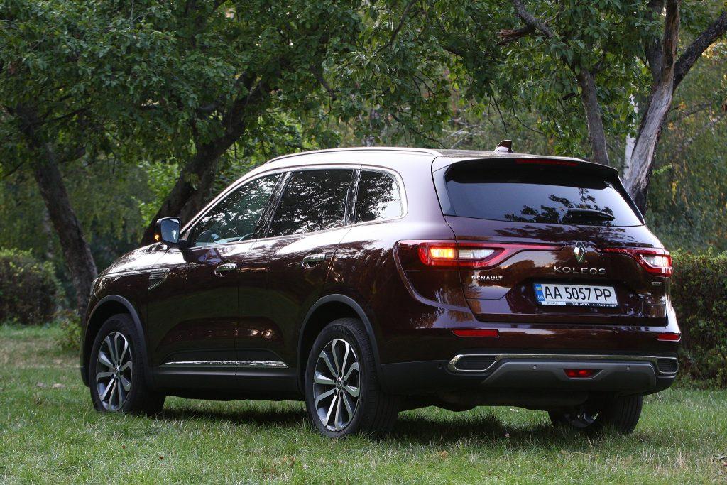 Renault Koleos, вид на заднюю диагональ