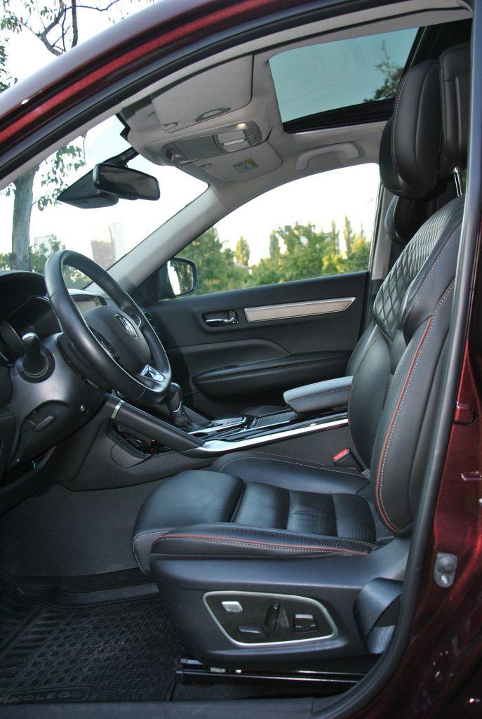 Новый Renault Koleos, передние сиденья