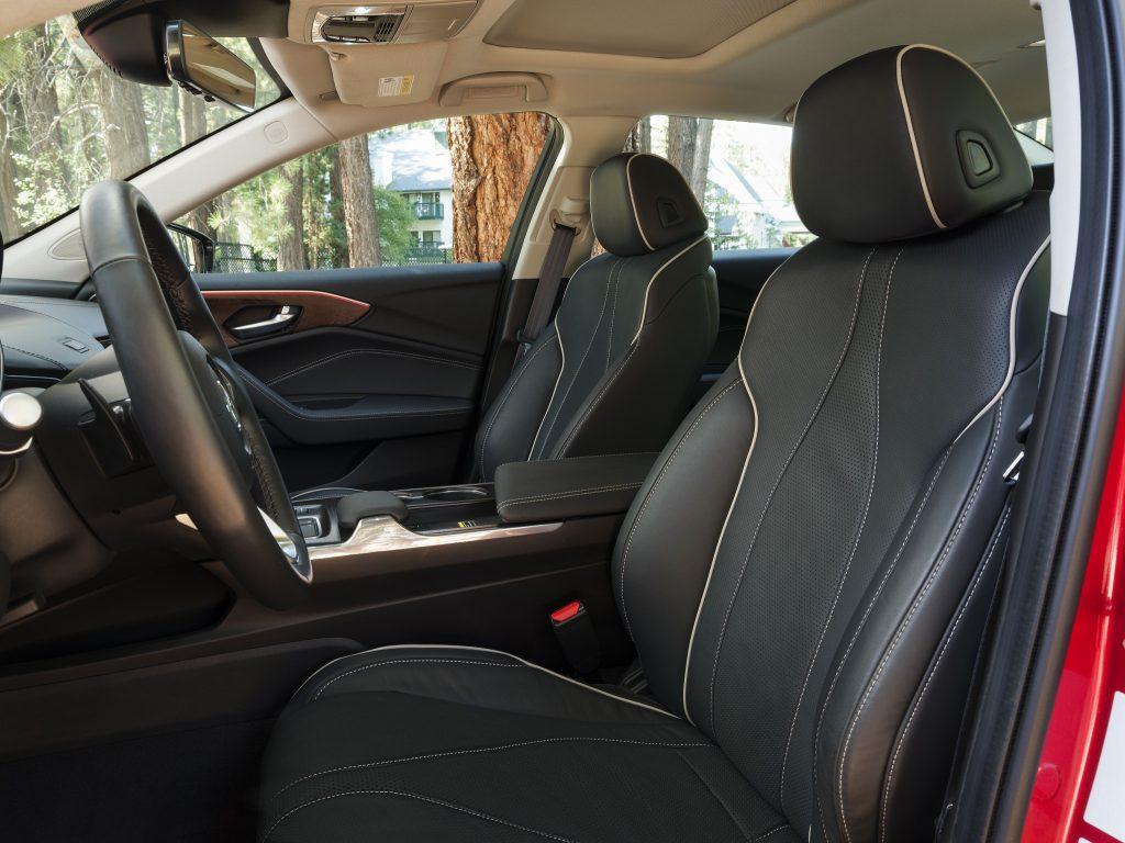 Новая Acura TLX, передние сиденья