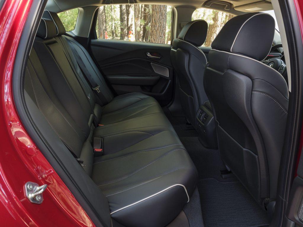 Новая Acura TLX, задние сиденья