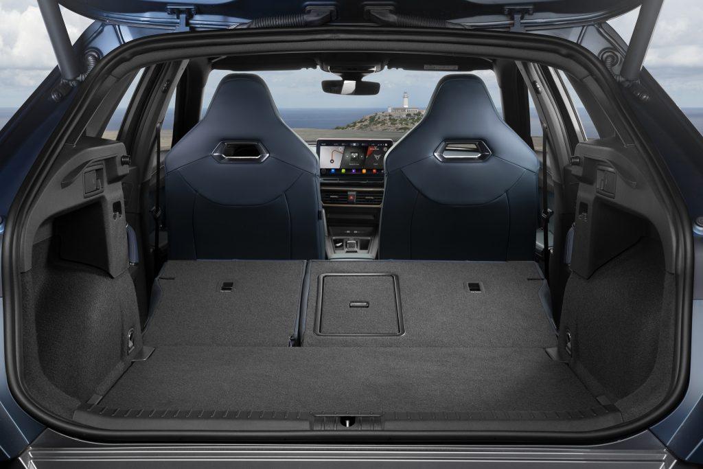 Cupra Formentor 2020, багажник