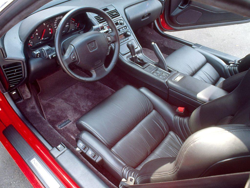 Honda NSX продавали в богатой комплектации