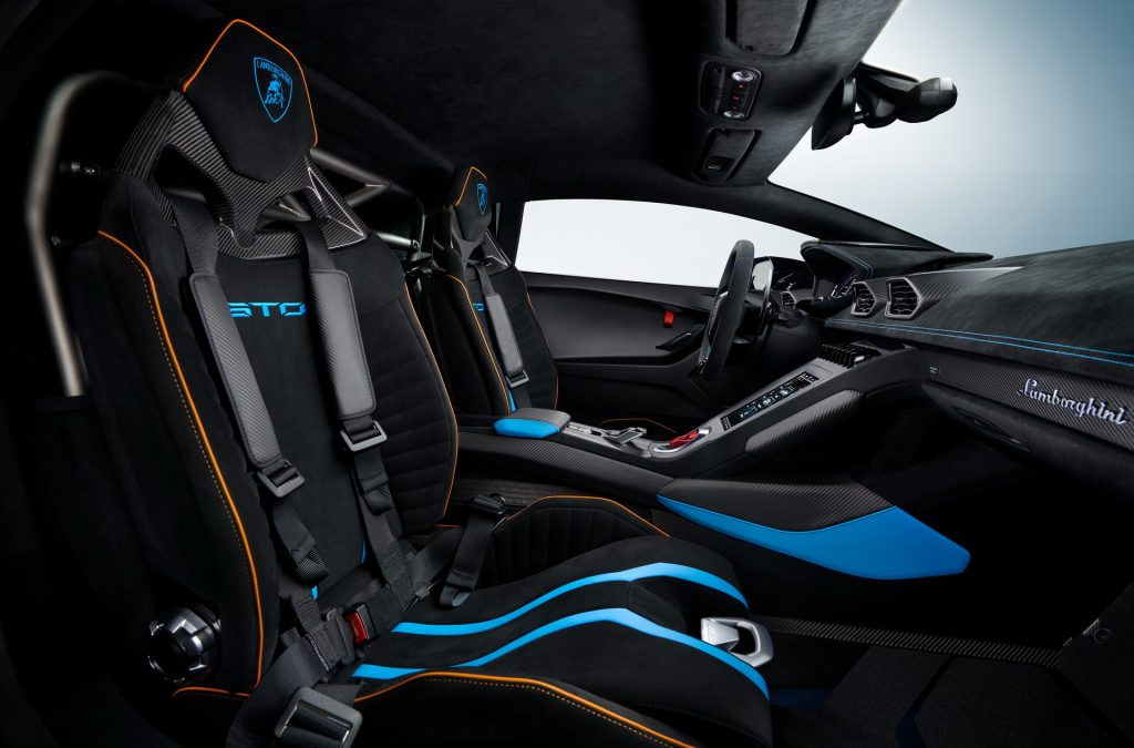 Lamborghini Huracan STO, сиденья