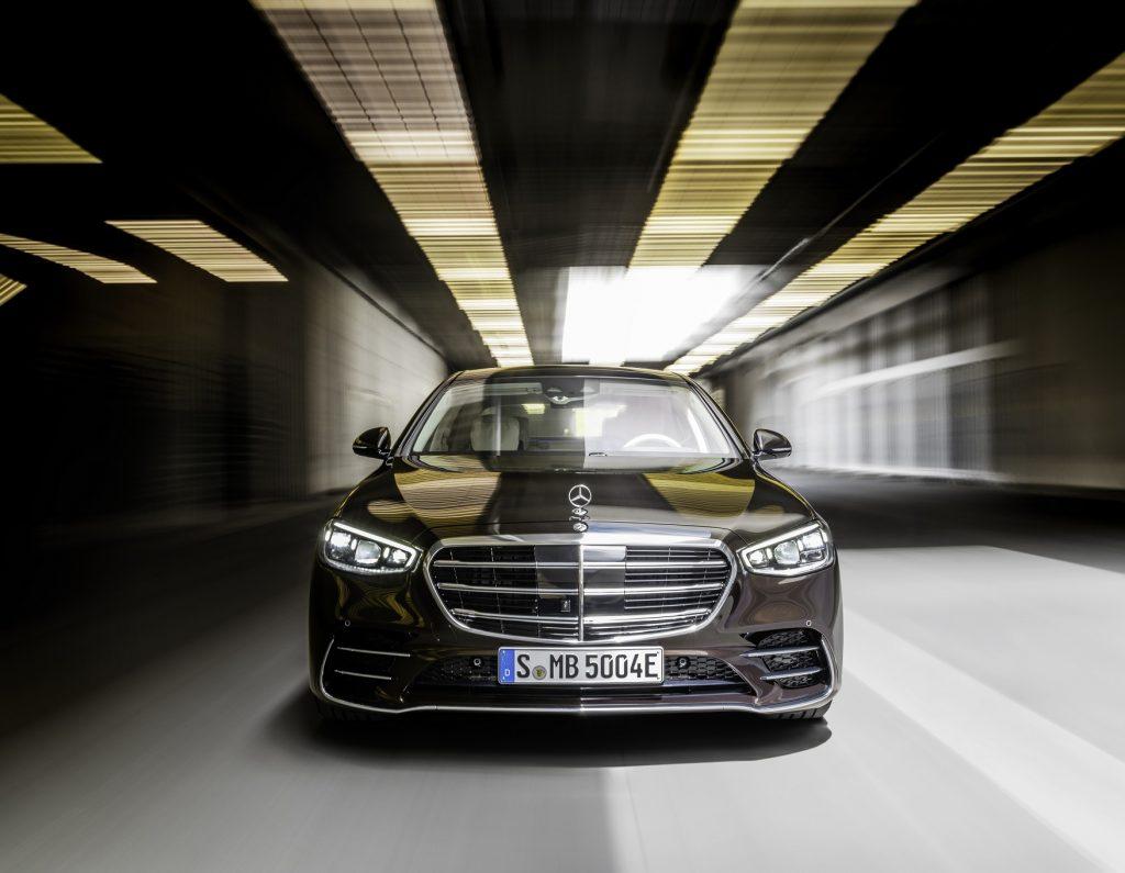 Mercedes-Benz S-Class 2021, вид спереди
