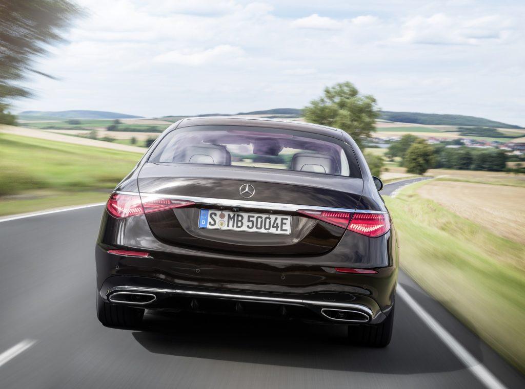 Mercedes-Benz S-Class 2021, вид сзади