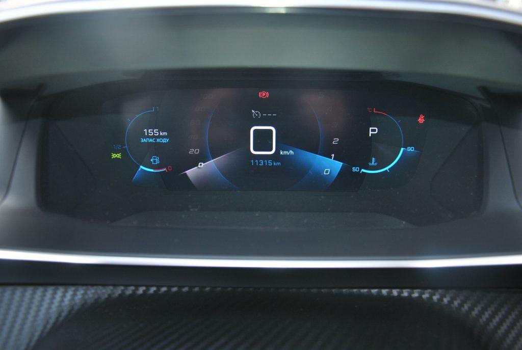 Peugeot 2008, трехмерная цифровая панель приборов