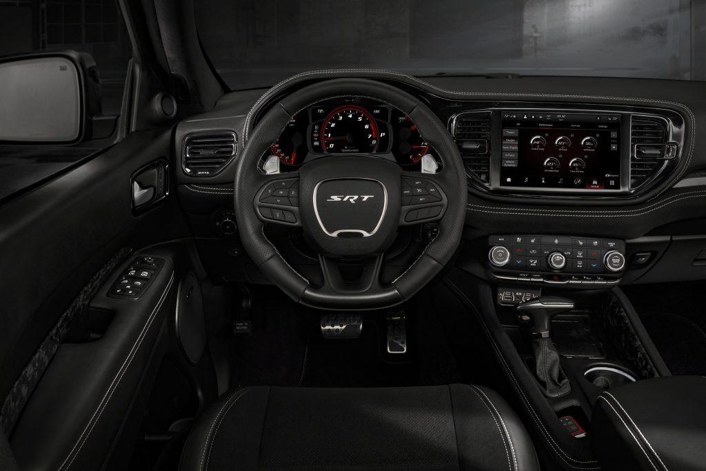 Dodge Durango SRT Hellcat 2020, передняя панель