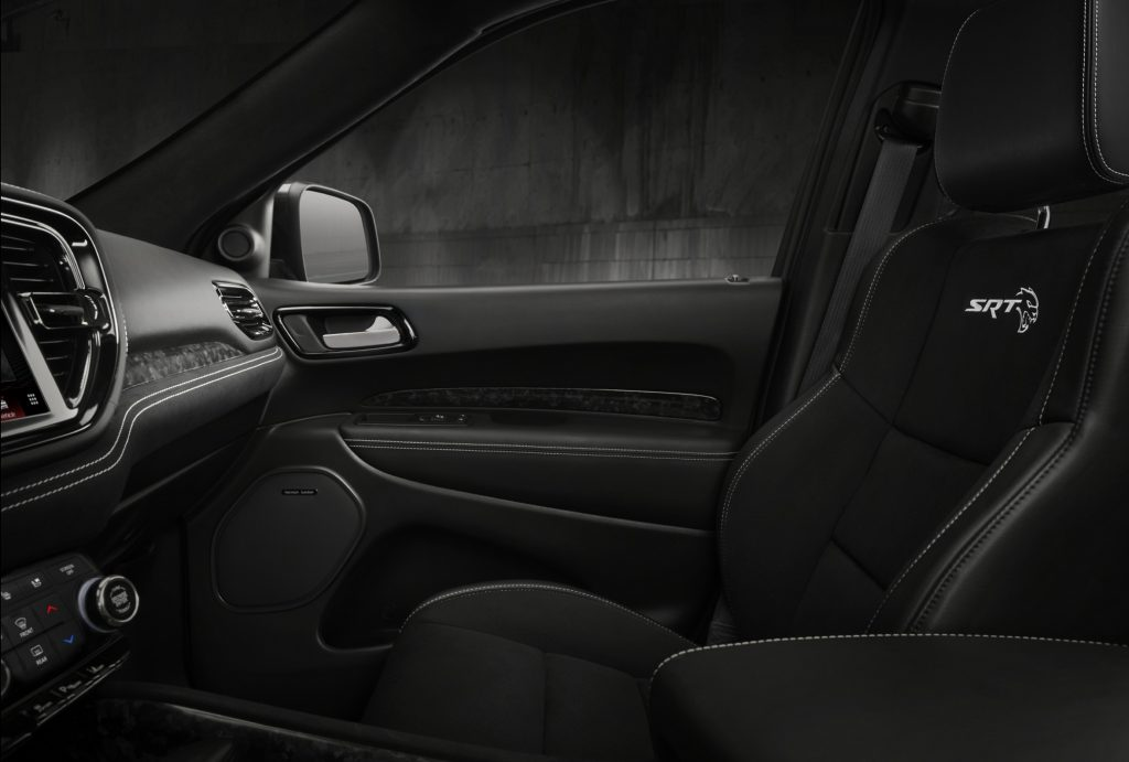 Dodge Durango SRT Hellcat, передние сиденья