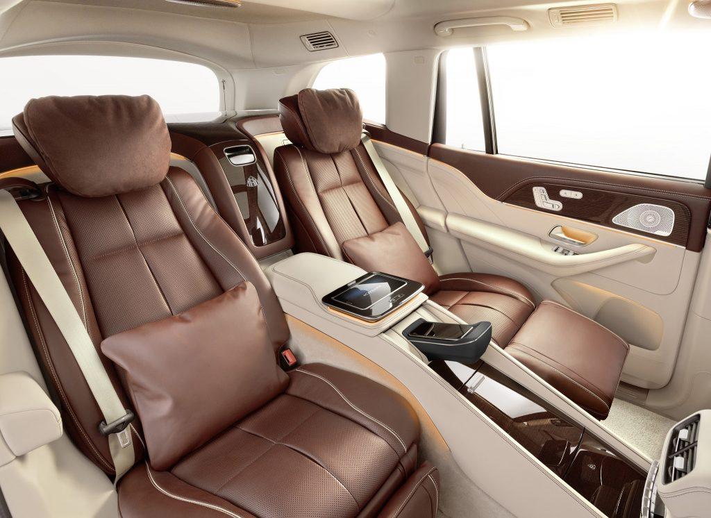 Mercedes-Maybach GLS 2020, задние сиденья