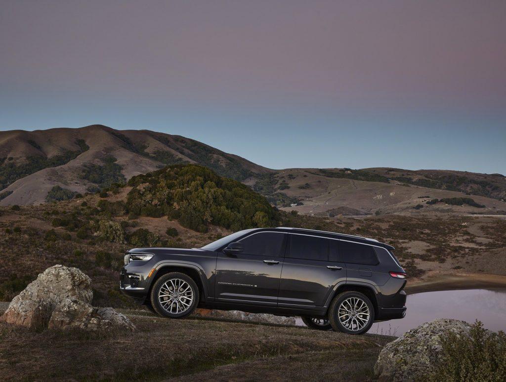 Jeep Grand Cherokee L 2021, вид сбоку