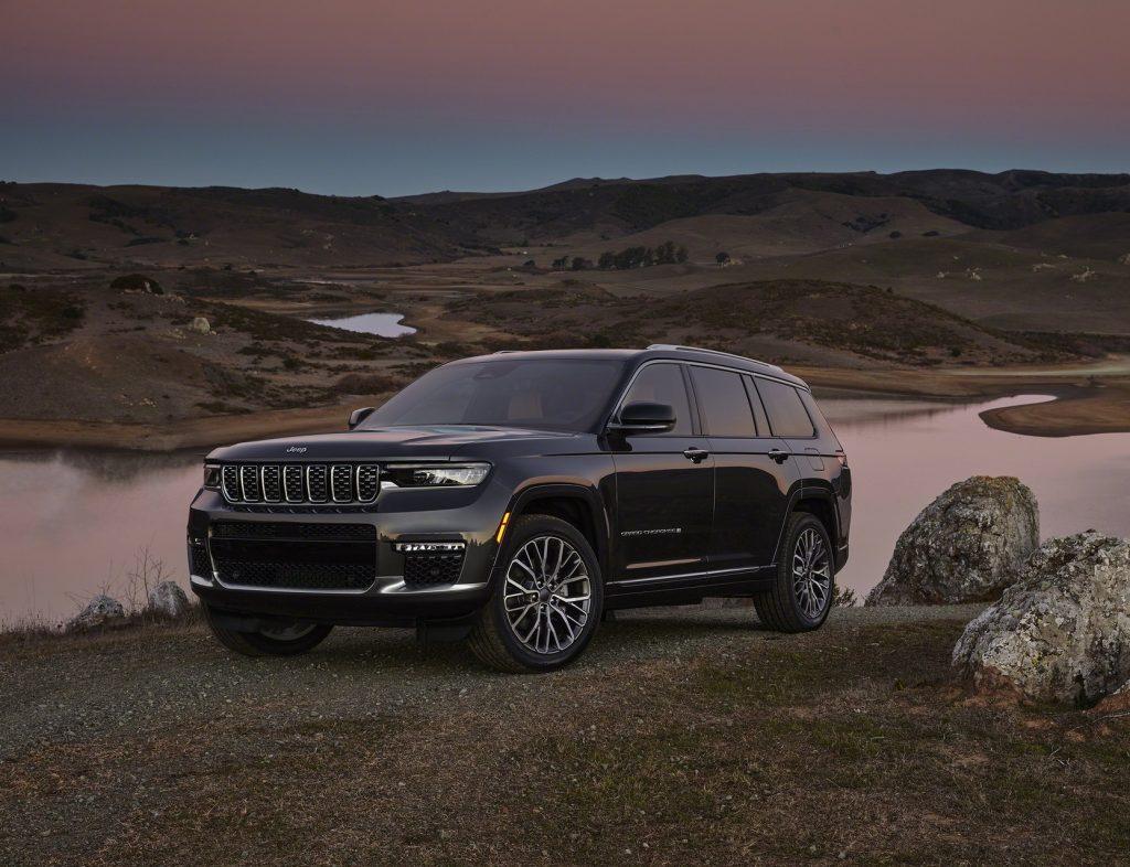 Jeep Grand Cherokee L 2021, вид спереди