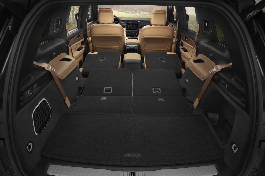 Новый Jeep Grand Cherokee L, багажник